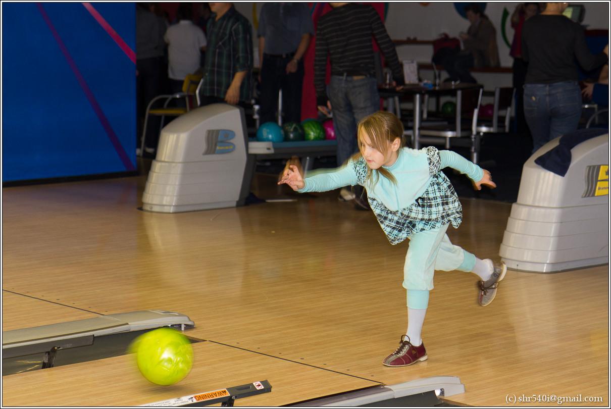 2010-10-23 19-53-17_Bowling_00015_4star.jpg
