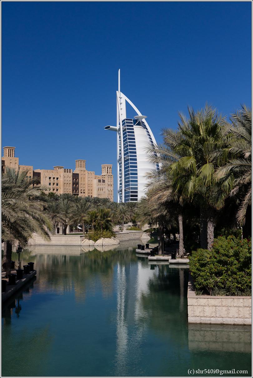 2011-01-01 12-05-21_Dubai_00020_3star.jpg