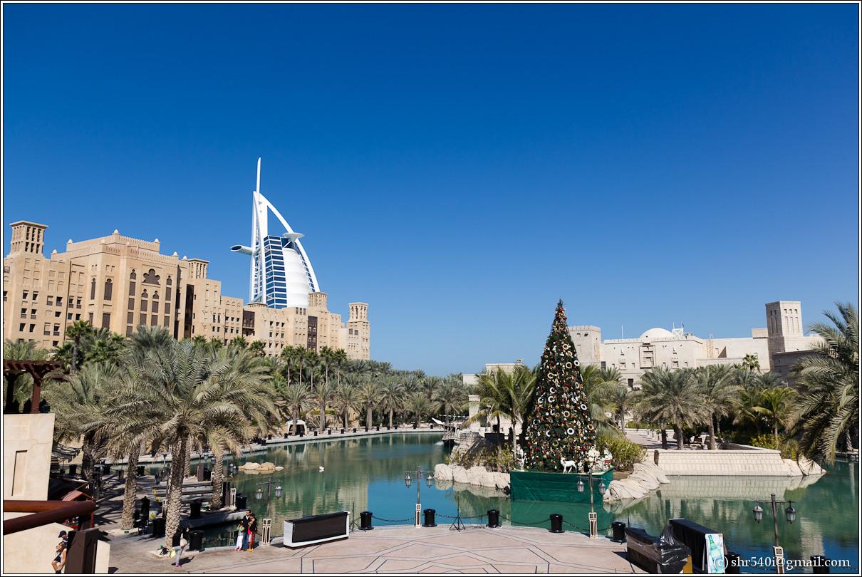 2011-01-01 12-19-47_Dubai_00035_1star.jpg