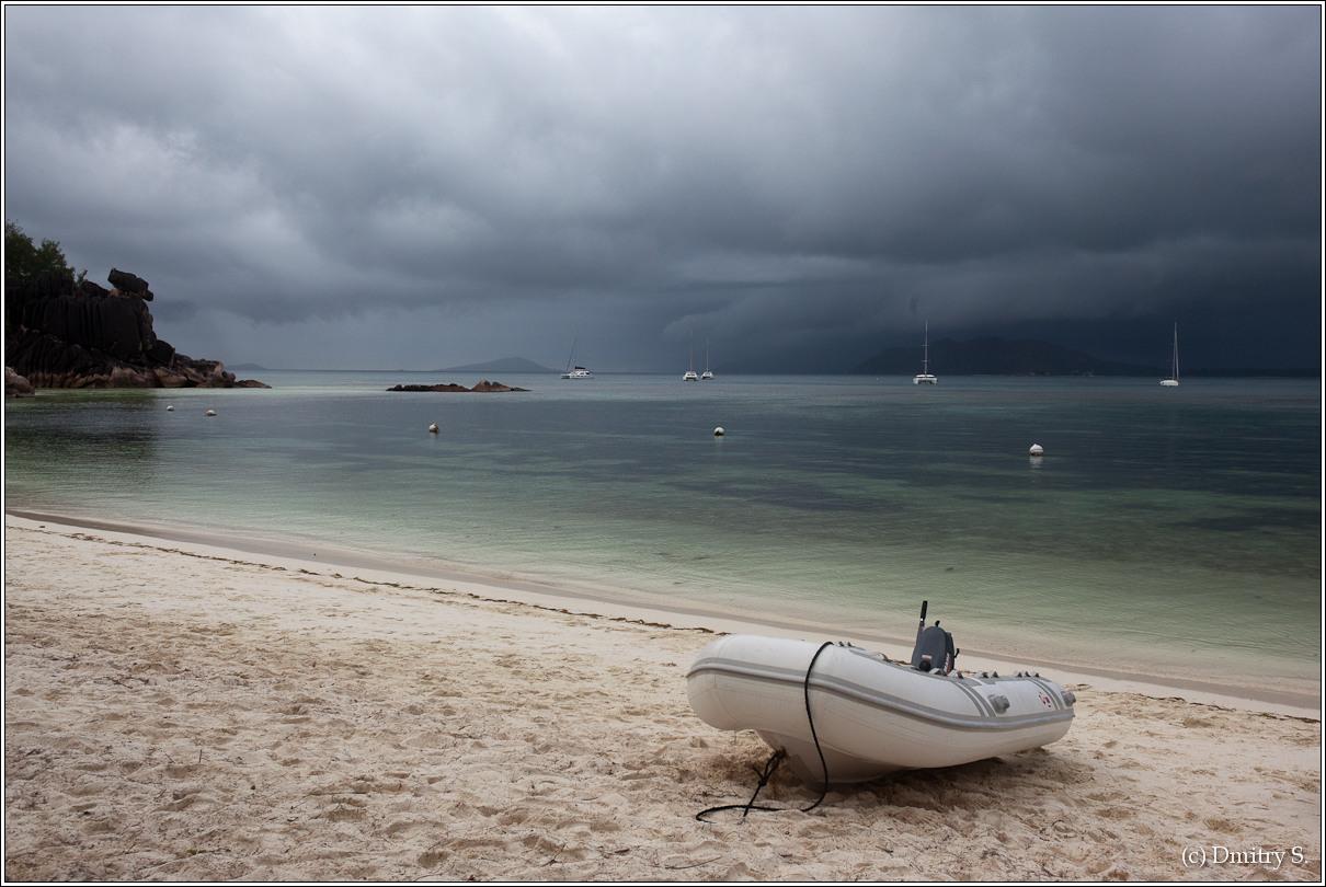 2011-01-04 17-03-22_Seychelles_DS_00098_2star.jpg