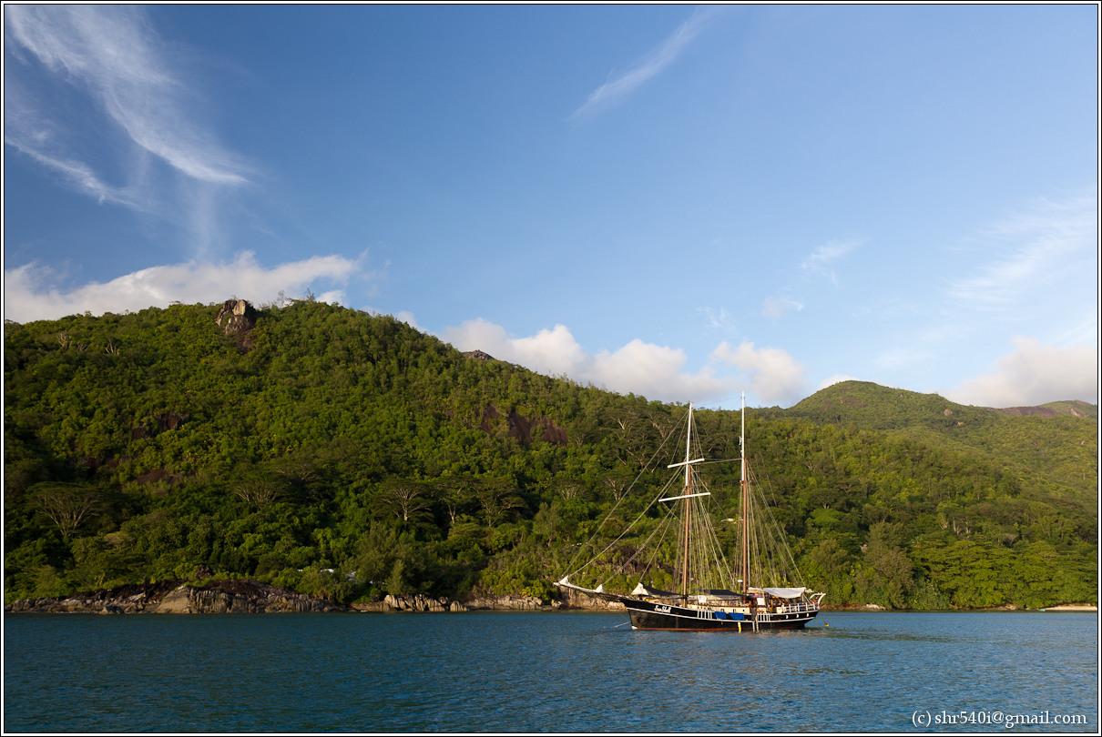 2011-01-06 18-02-58_Seychelles_00341_3star.jpg