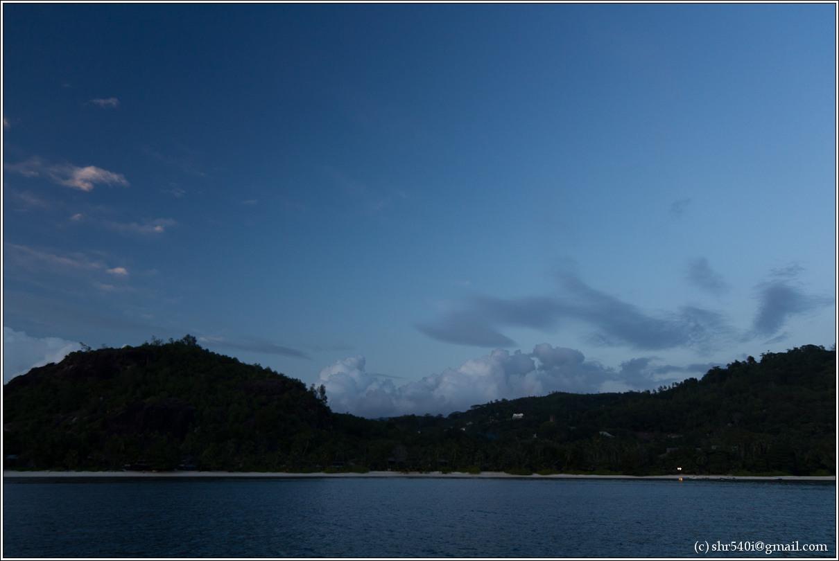 2011-01-07 18-38-08_Seychelles_00521_1star.jpg