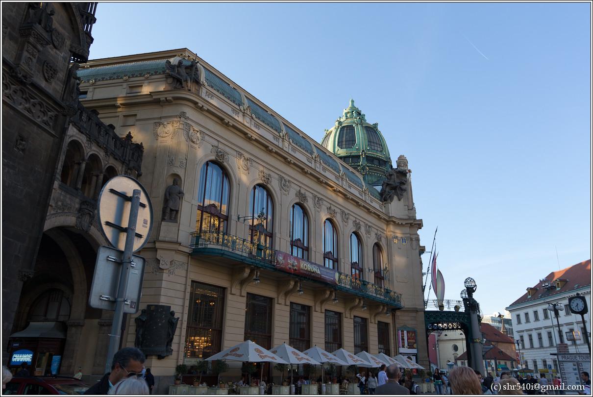 2011-05-08 20-33-12_Prague_00048_3star.jpg
