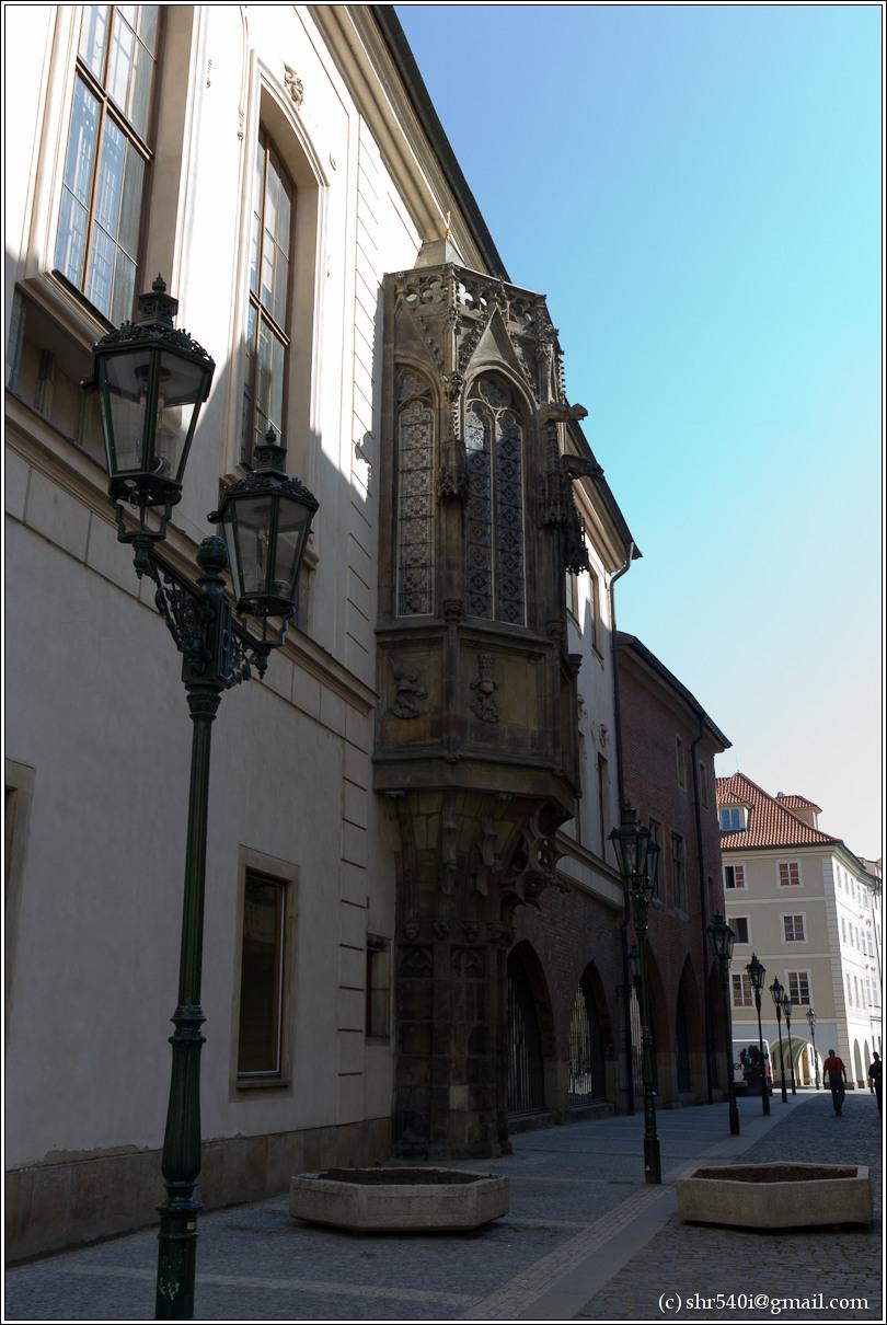 2011-05-09 10-59-57_Prague_00082_3star.jpg