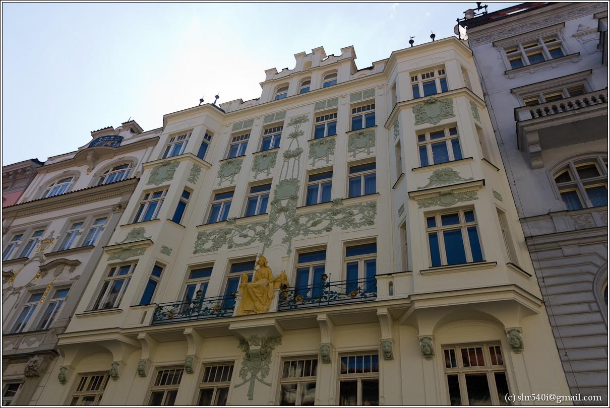 2011-05-09 12-21-35_Prague_00134_3star.jpg