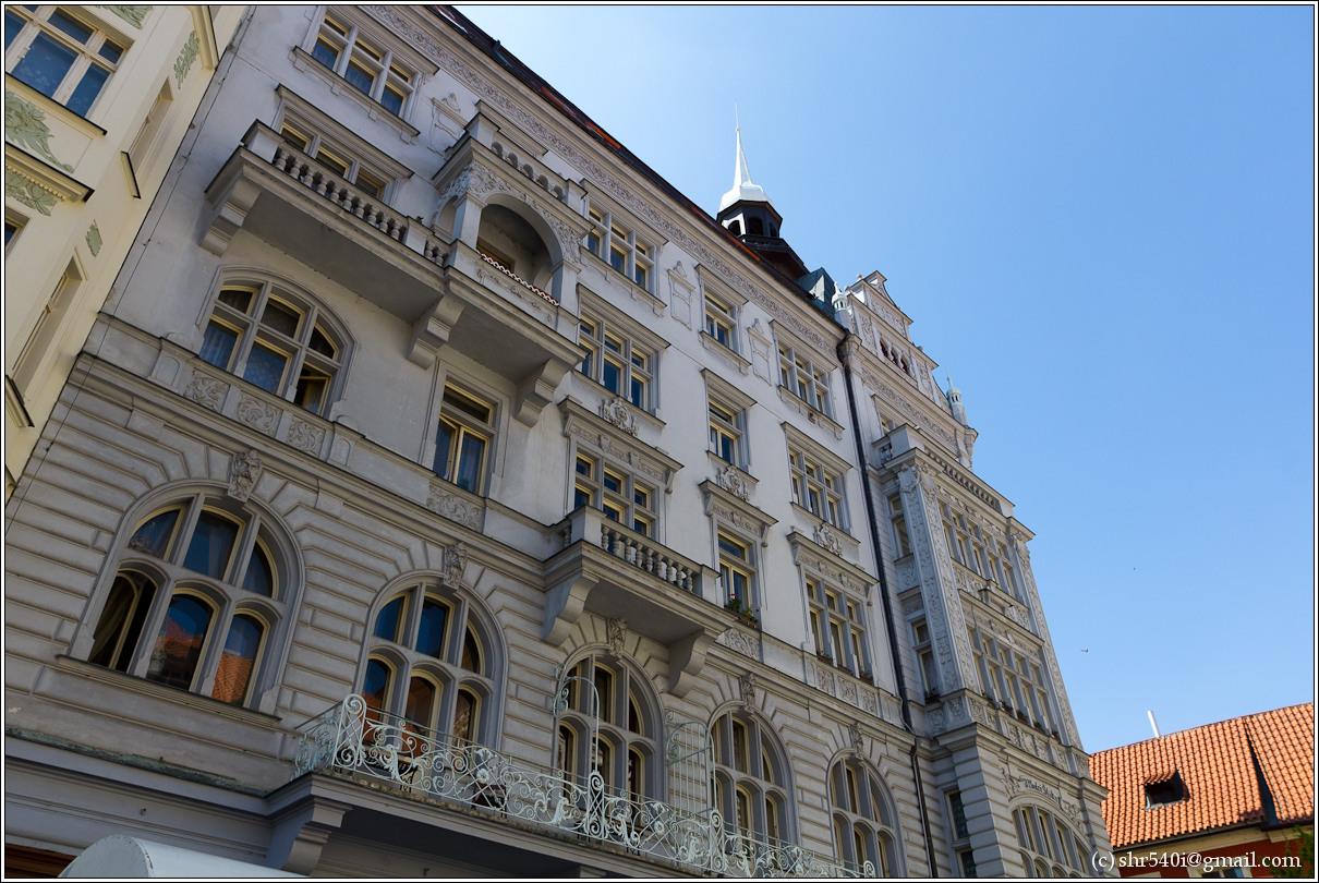 2011-05-09 12-21-37_Prague_00135_3star.jpg