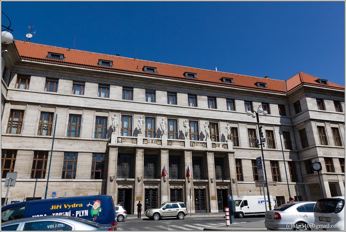2011-05-09 12-28-20_Prague_00139_3star.jpg