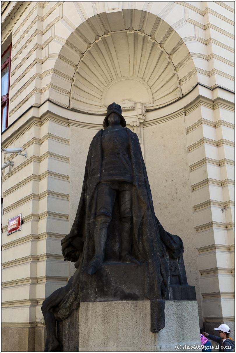 2011-05-09 12-31-04_Prague_00142_3star.jpg