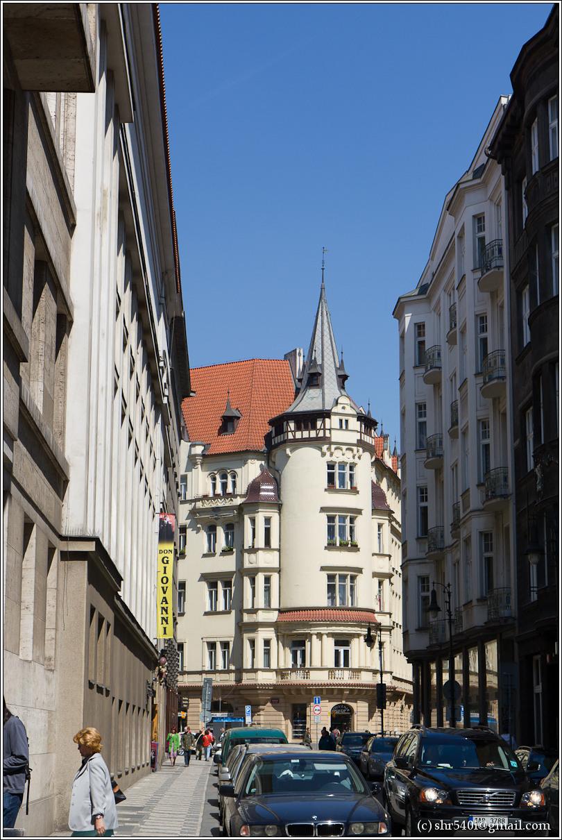 2011-05-09 12-32-54_Prague_00143_3star.jpg