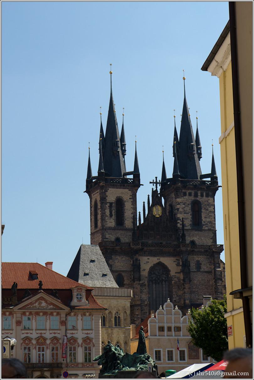 2011-05-09 12-35-23_Prague_00147_3star.jpg