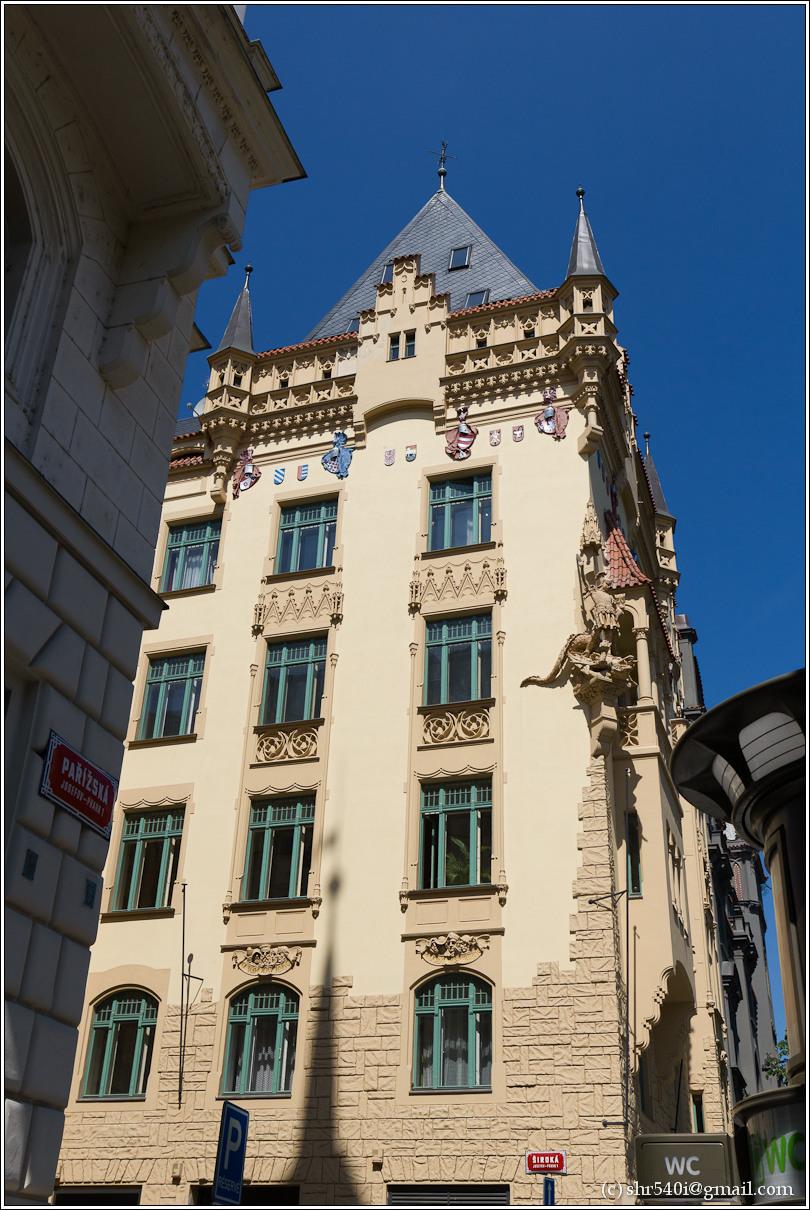 2011-05-09 12-44-55_Prague_00159_3star.jpg