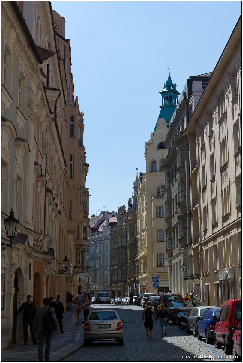 2011-05-09 12-47-00_Prague_00163_3star.jpg
