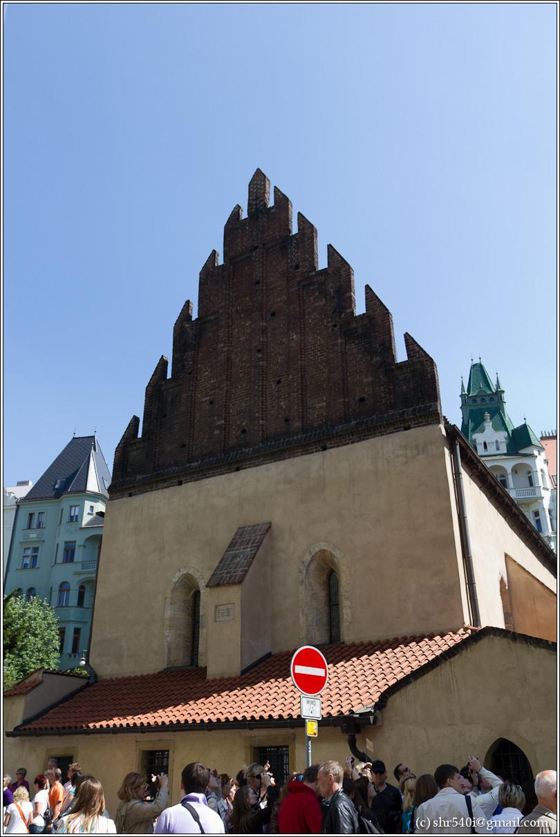 2011-05-09 12-47-10_Prague_00164_3star.jpg