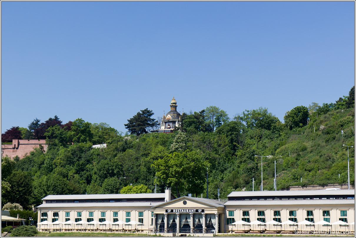 2011-05-09 13-06-46_Prague_00181_3star.jpg