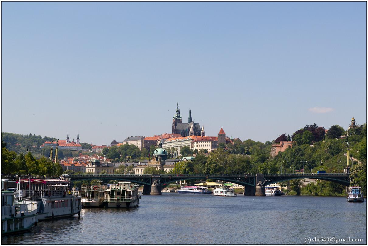 2011-05-09 13-14-56_Prague_00202_3star.jpg