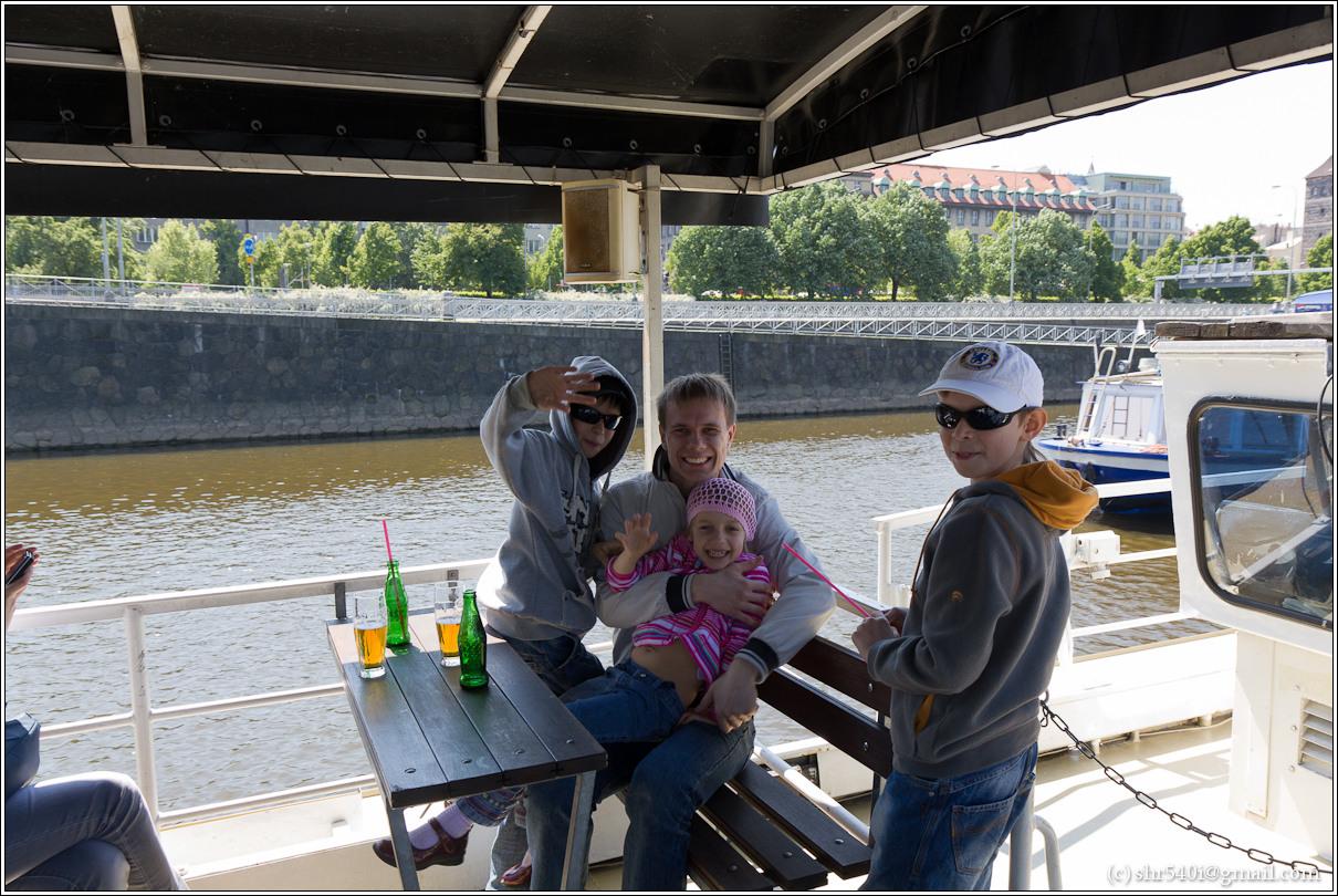 2011-05-09 13-25-04_Prague_00214_3star.jpg
