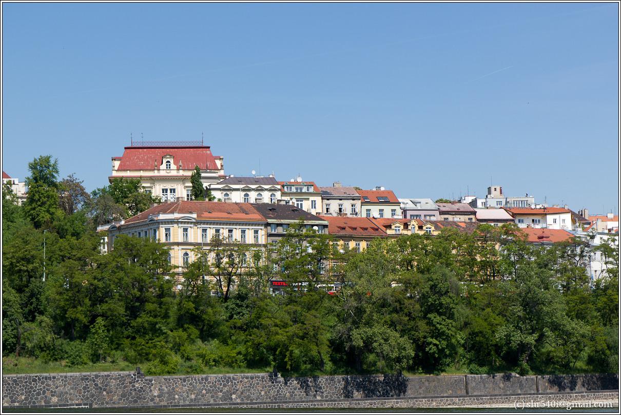 2011-05-09 13-25-11_Prague_00216_3star.jpg