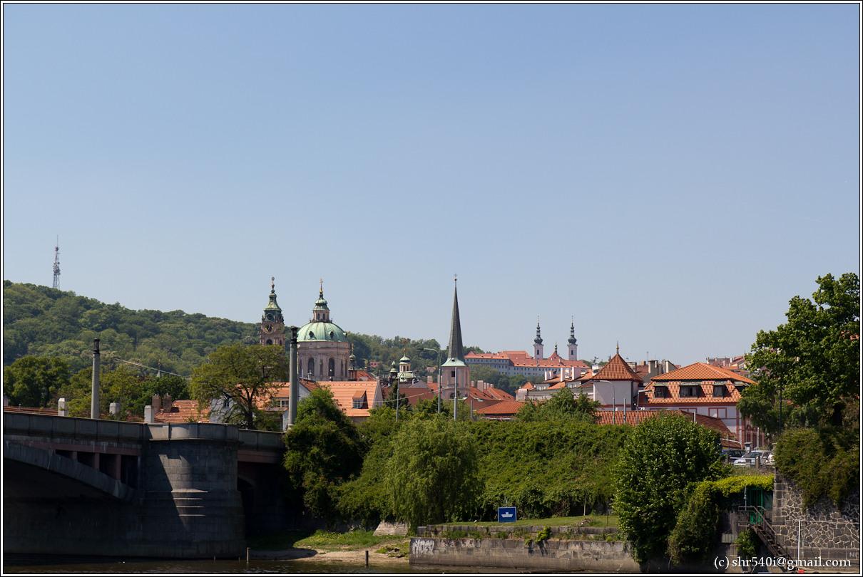 2011-05-09 13-38-13_Prague_00221_3star.jpg