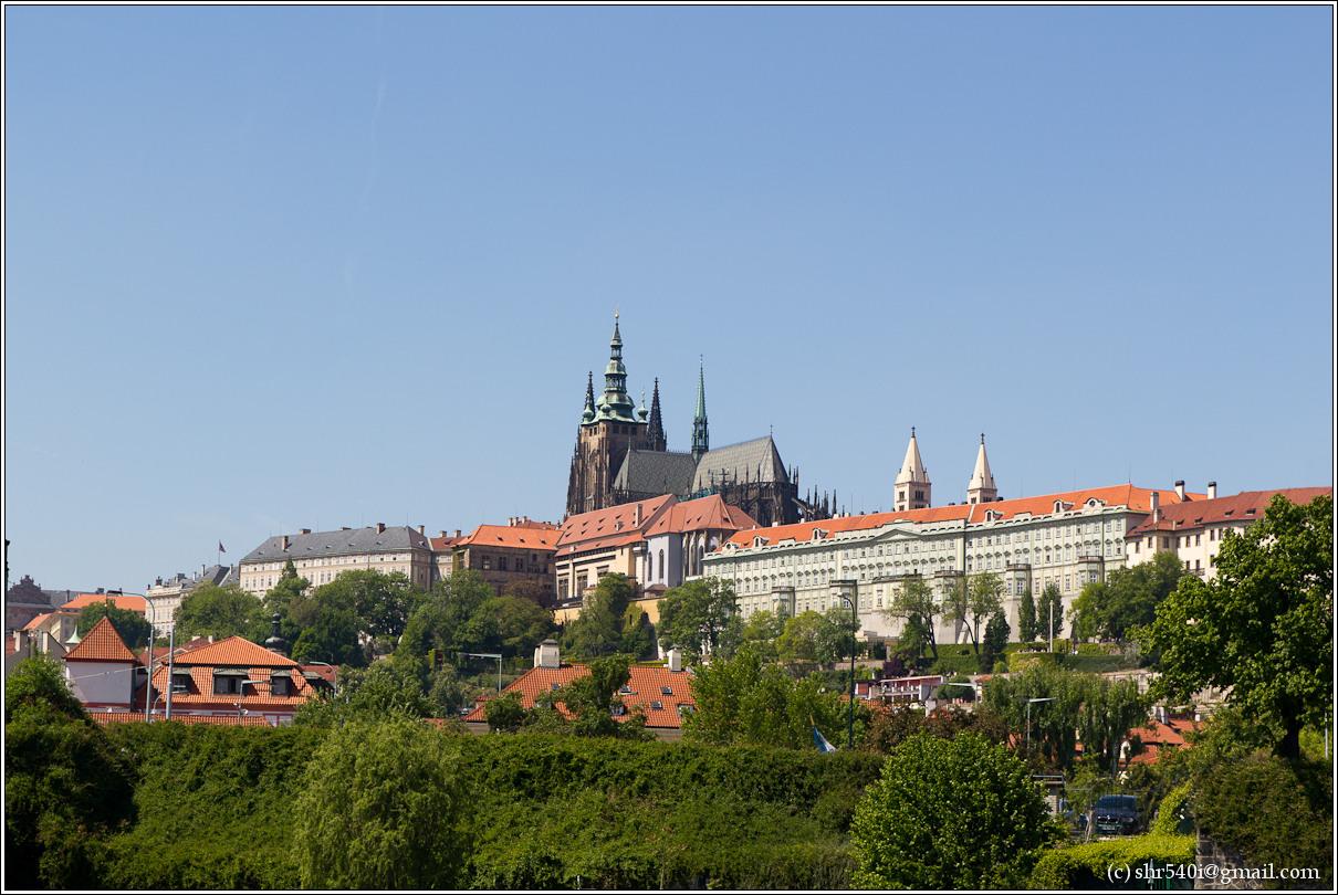 2011-05-09 13-38-39_Prague_00222_3star.jpg