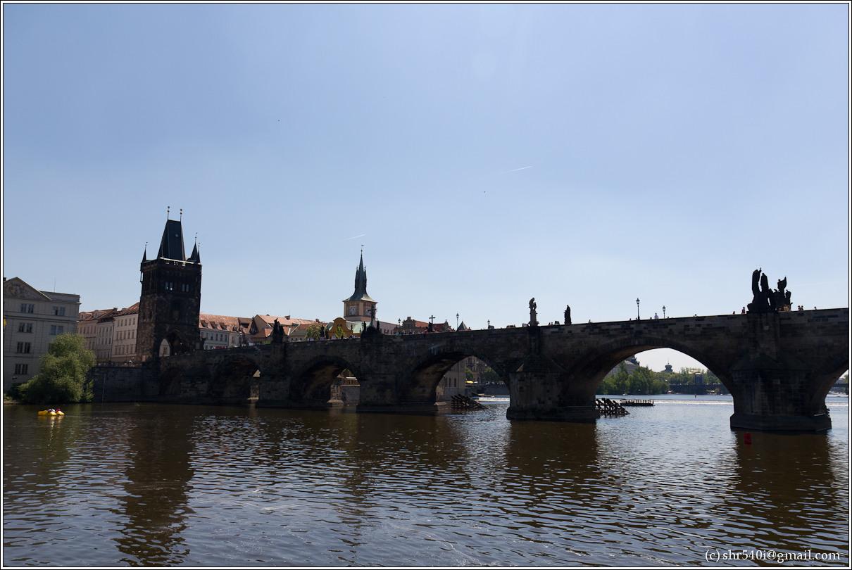 2011-05-09 13-41-39_Prague_00230_3star.jpg