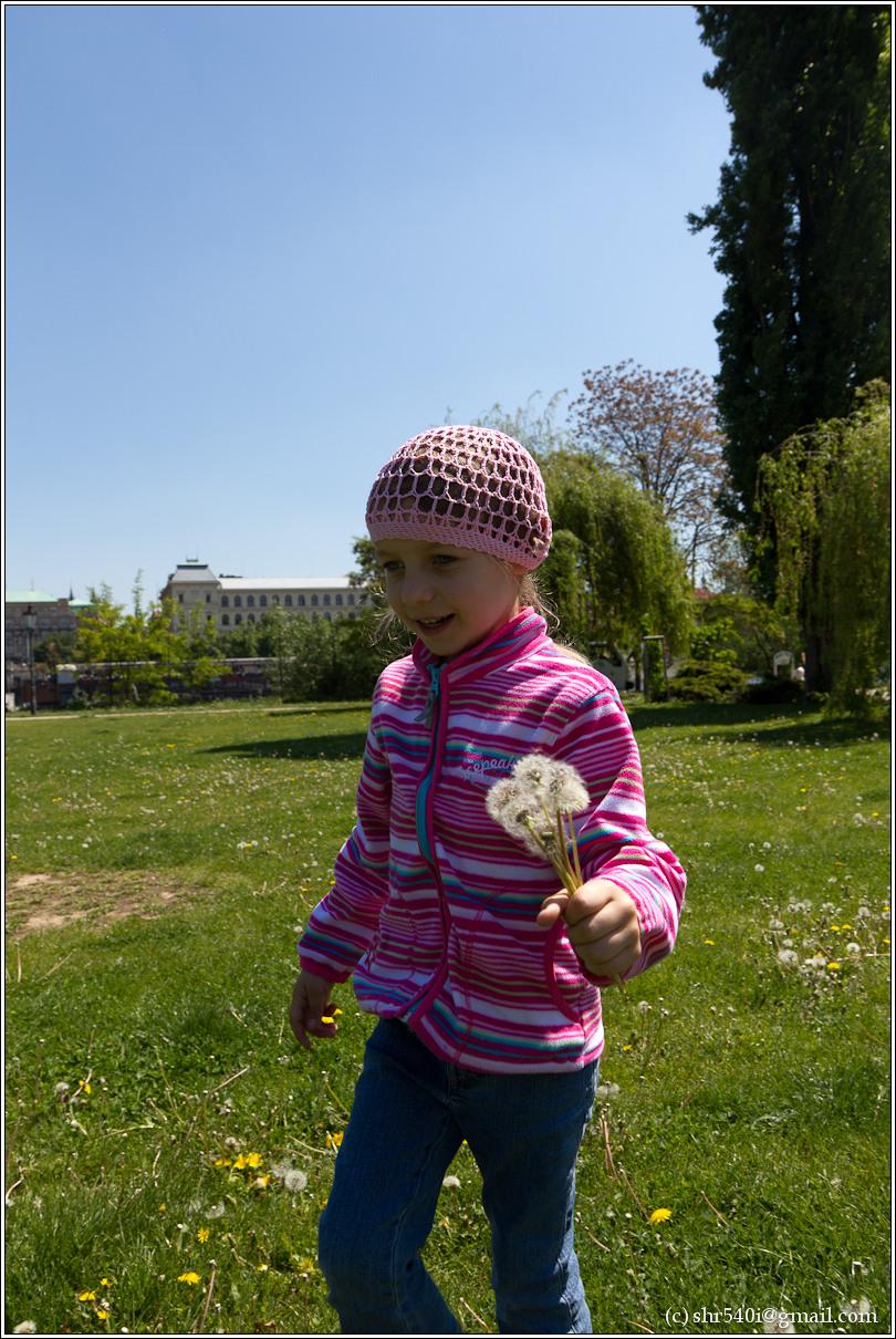 2011-05-09 14-07-13_Prague_00246_3star.jpg