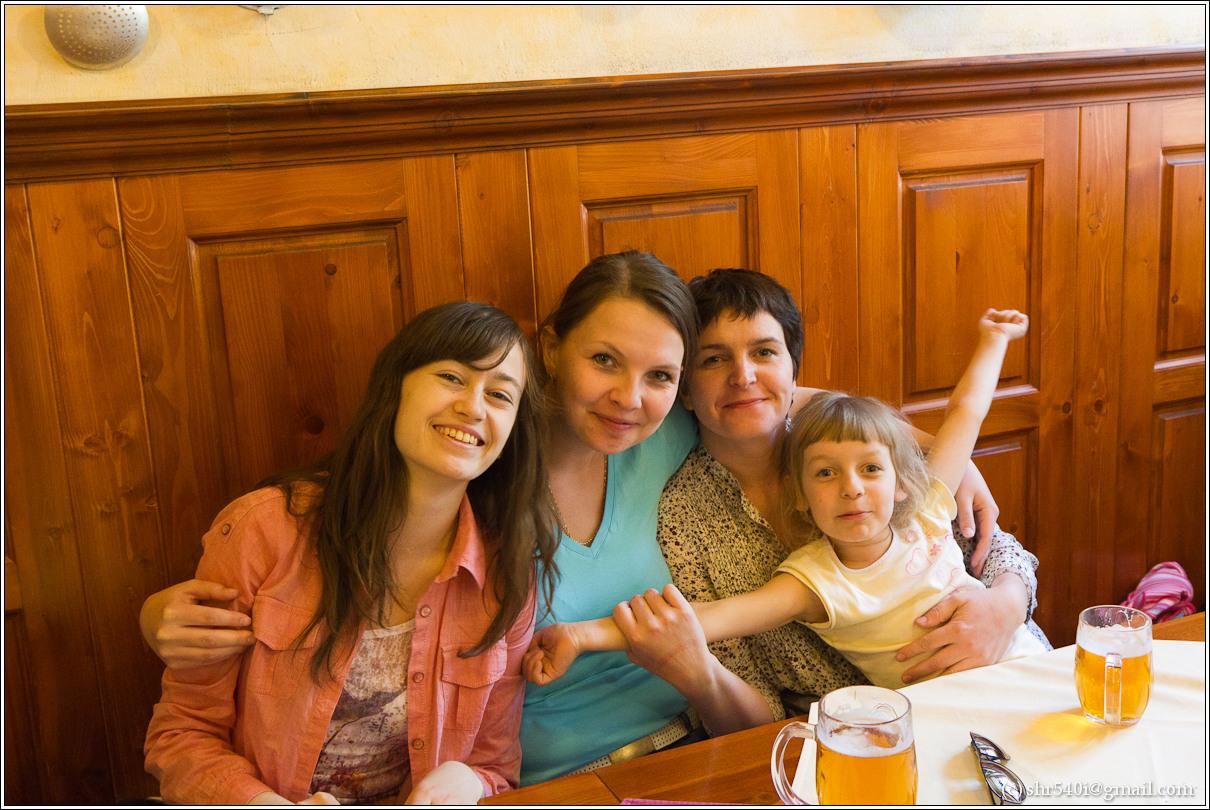 2011-05-09 14-36-30_Prague_00261_3star.jpg