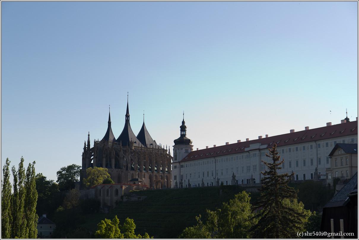 2011-05-09 18-52-26_Prague_00440_3star.jpg