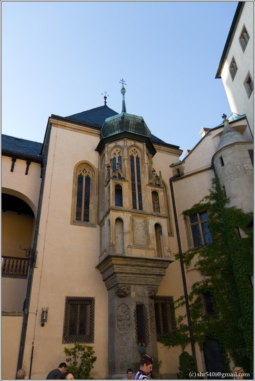 2011-05-09 19-00-08_Prague_00443_3star.jpg