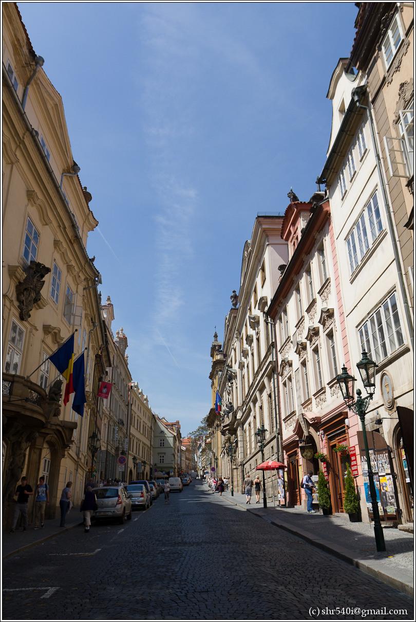 2011-05-10 13-17-51_Prague_00035_3star.jpg