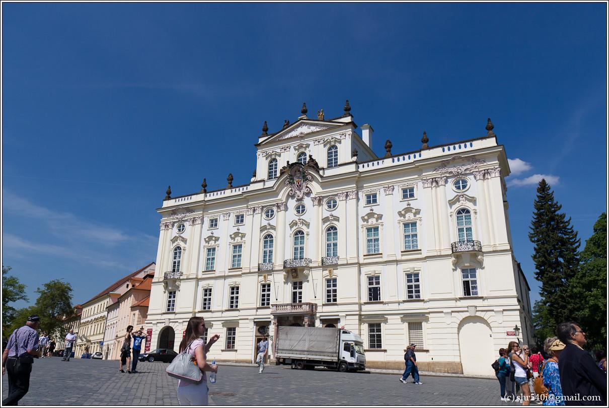 2011-05-10 13-28-58_Prague_00042_3star.jpg