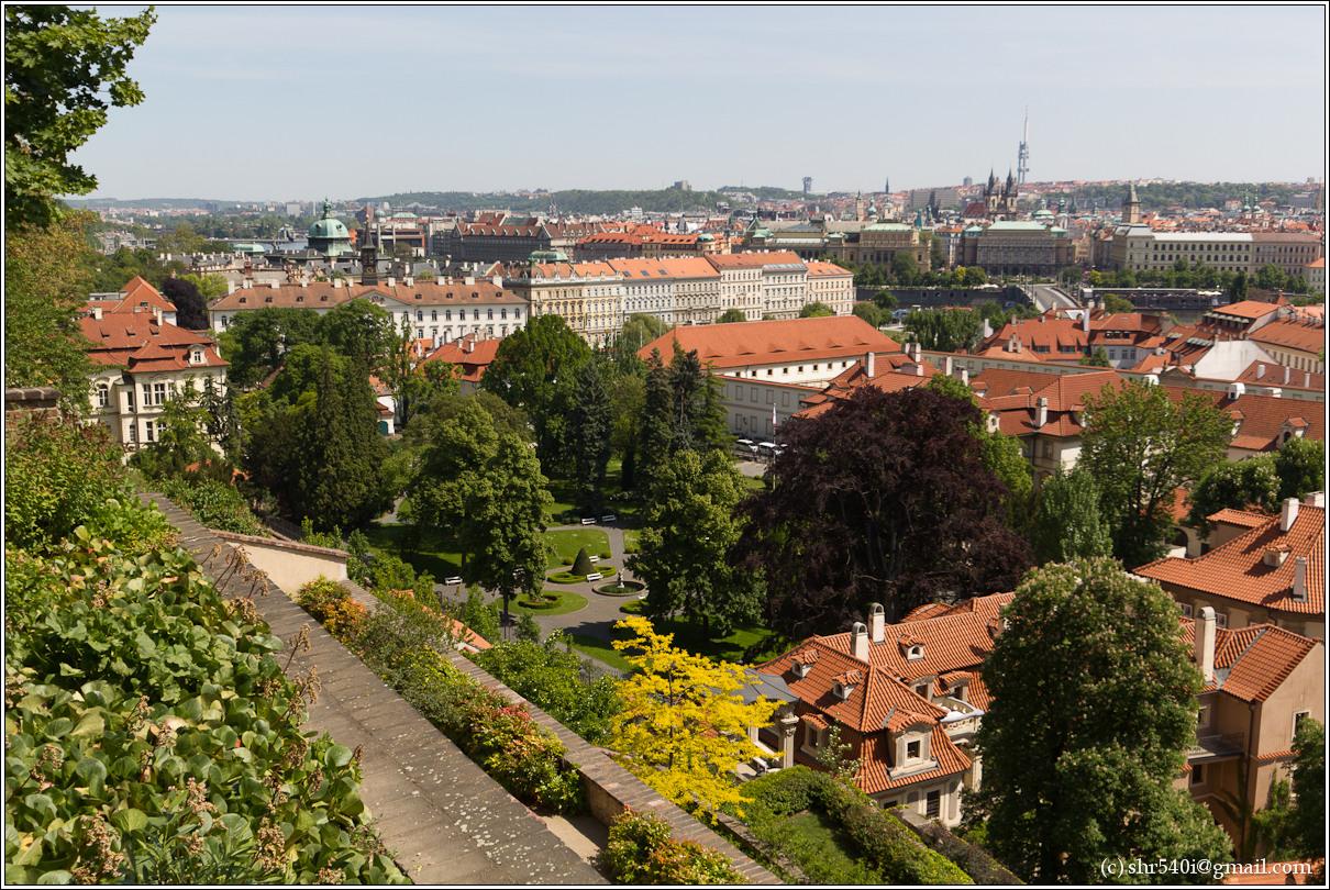 2011-05-10 14-36-25_Prague_00097_3star.jpg