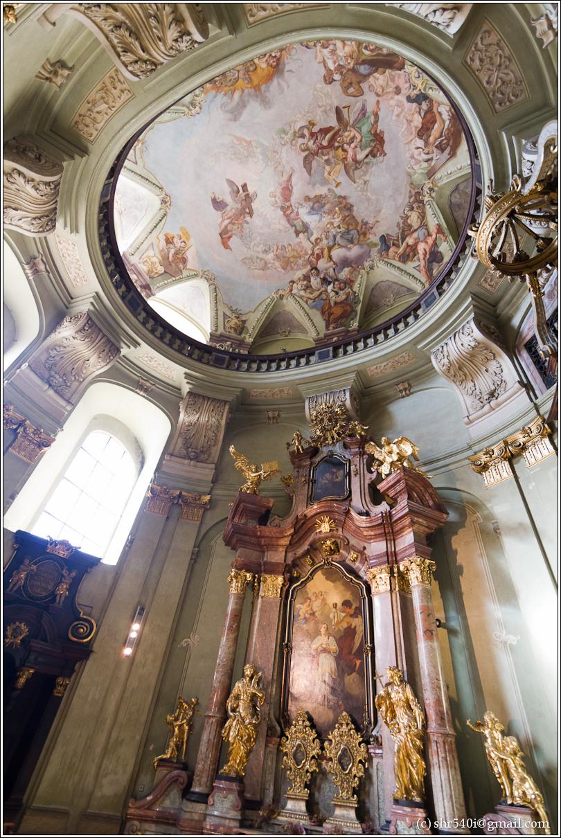 2011-05-10 16-59-07_Prague_00159_3star.jpg