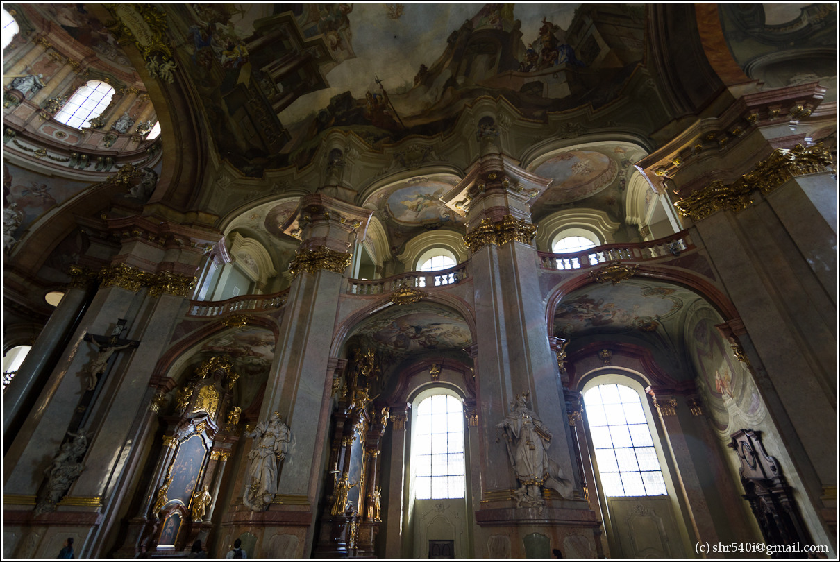 2011-05-10 16-59-37_Prague_00161_3star.jpg