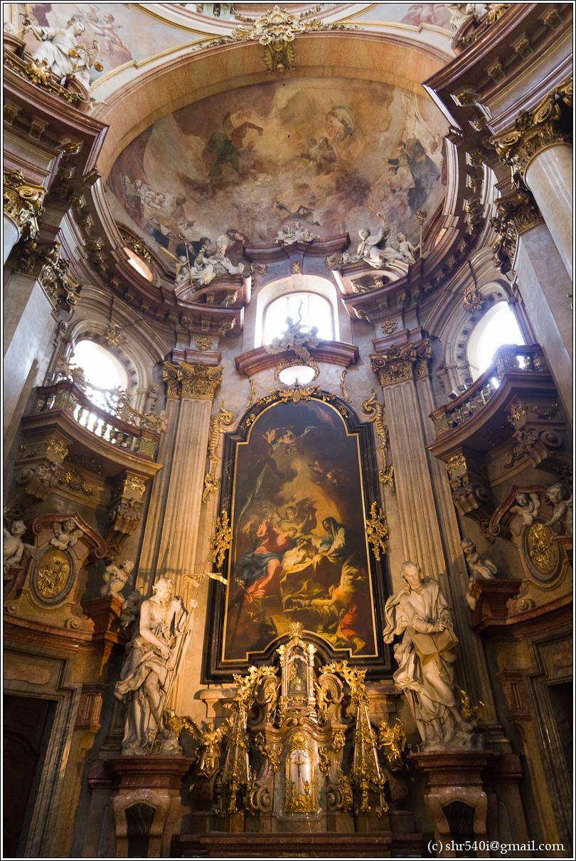 2011-05-10 17-00-50_Prague_00165_3star.jpg