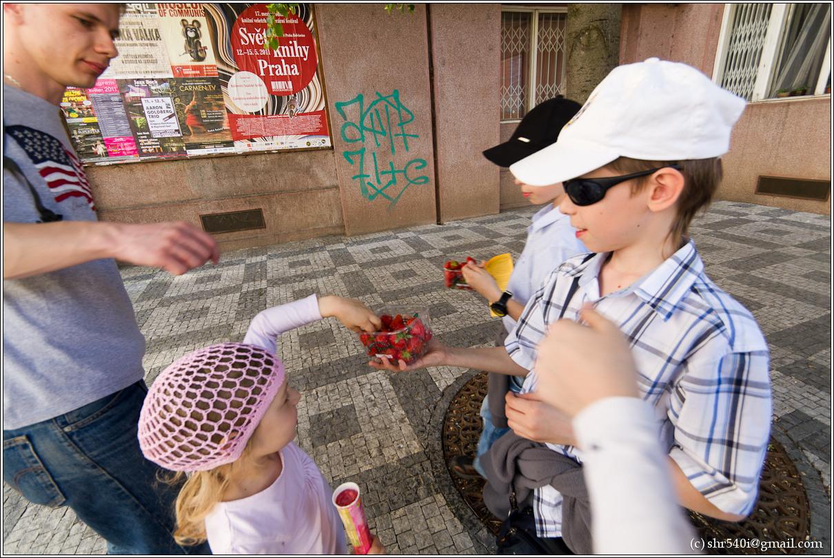 2011-05-10 17-34-12_Prague_00203_3star.jpg