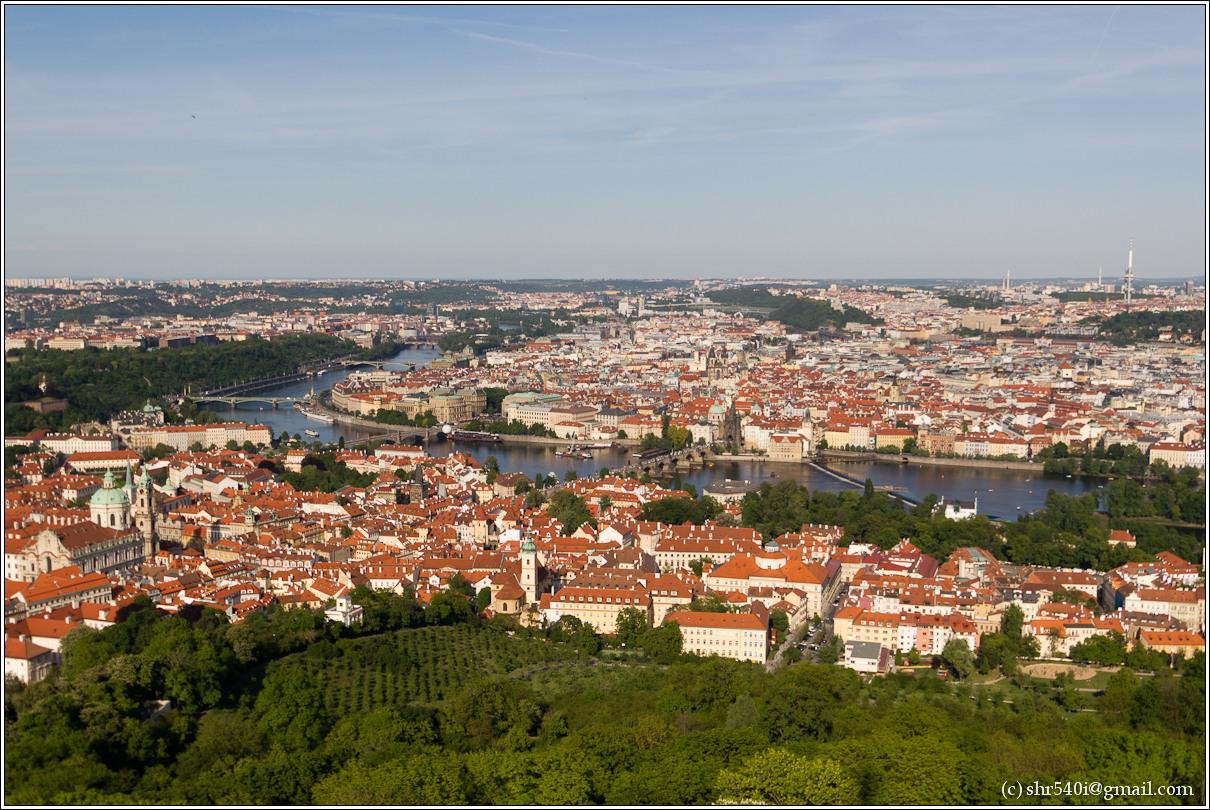 2011-05-10 18-27-20_Prague_00235_3star.jpg