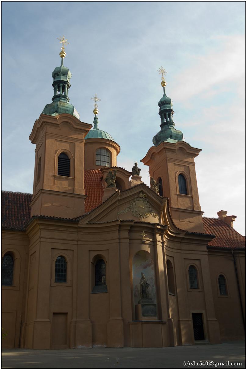 2011-05-10 19-01-26_Prague_00281_3star.jpg