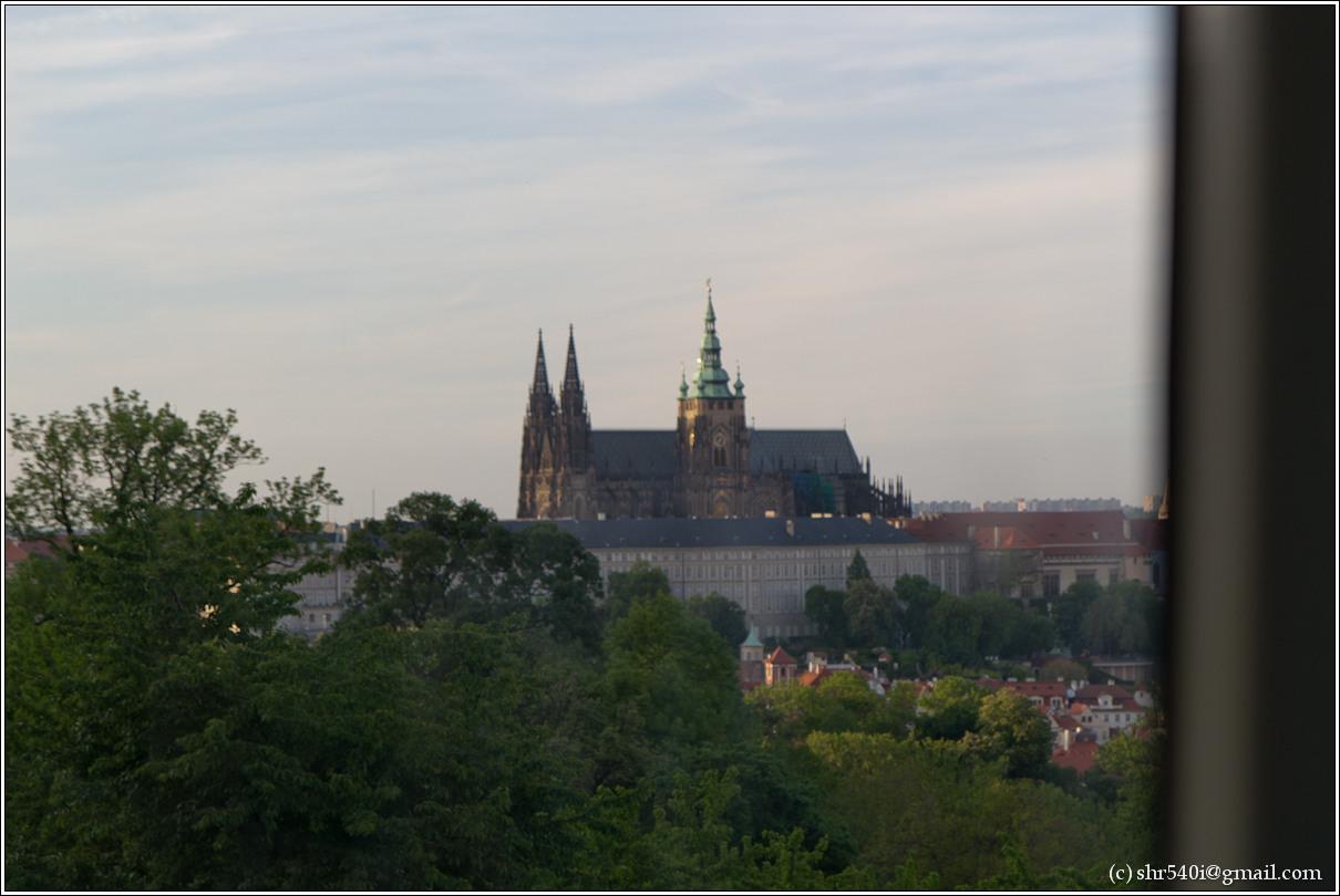 2011-05-10 20-18-09_Prague_00309_3star.jpg